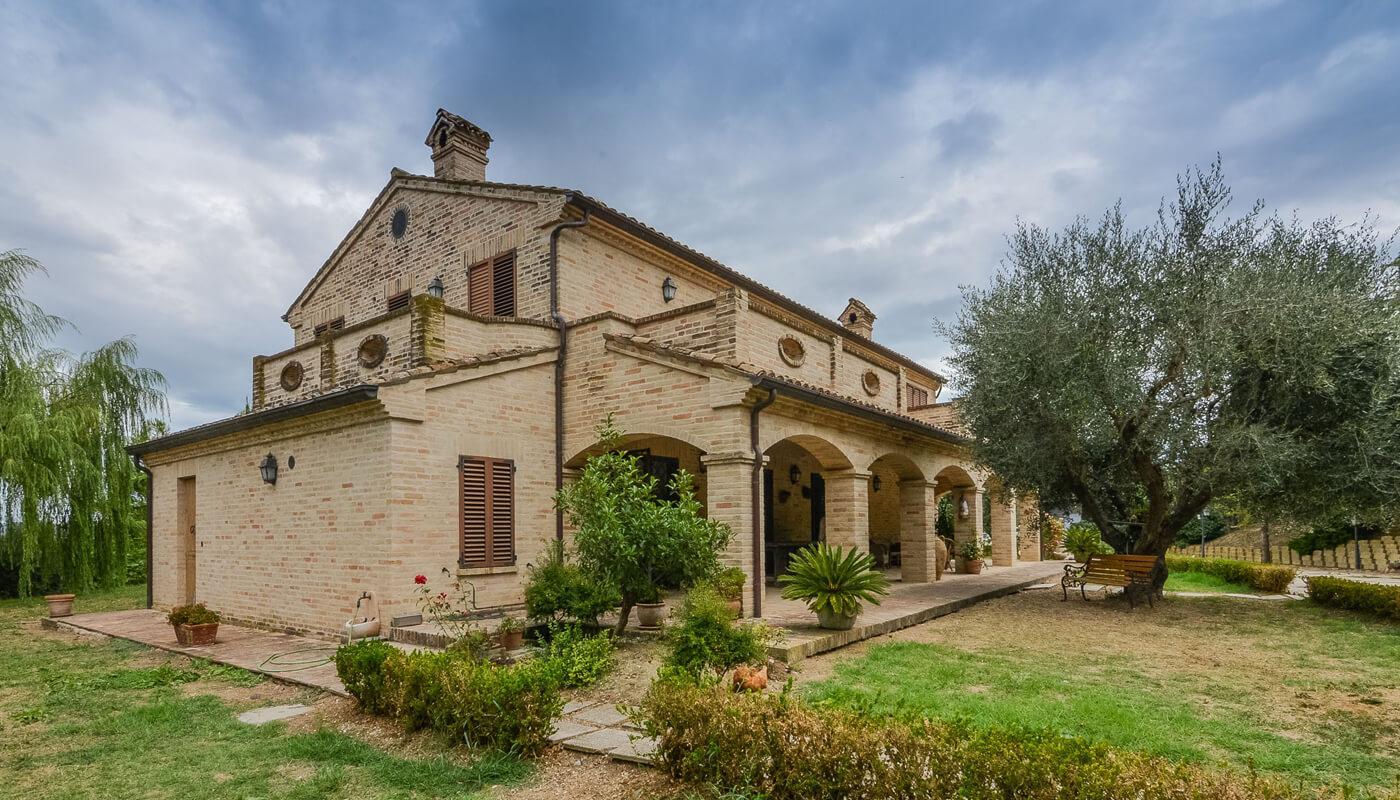 agenzia immobiliare centro italia civitanova marche aiciweb